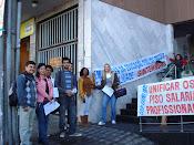Professores Reivindicam Piso Salarial em frente a Prefeitura