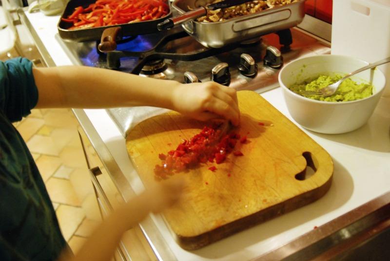 preparazione cena messicana