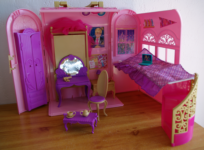 camomille p querettes chambre de barbie apprentie princesse. Black Bedroom Furniture Sets. Home Design Ideas