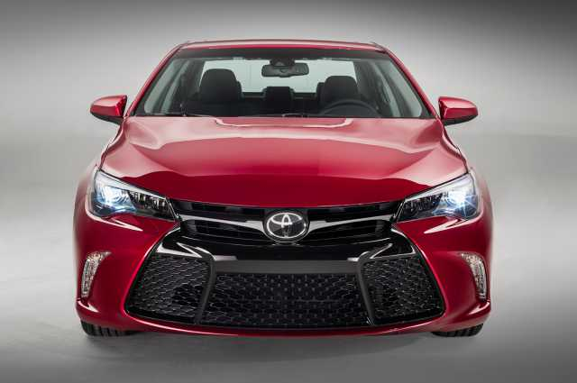 2017 Toyota Camry Hybrid Review Interior And Price The Auto Zone