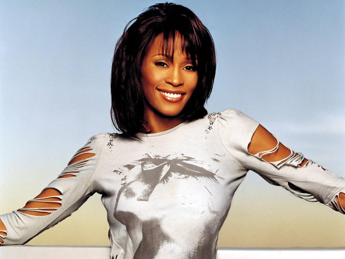 http://1.bp.blogspot.com/-sVFqbL8hJJs/Tj2TUSnUkoI/AAAAAAAA0L0/G5IjeH1Uj2w/s1600/Whitney-Houston.jpg