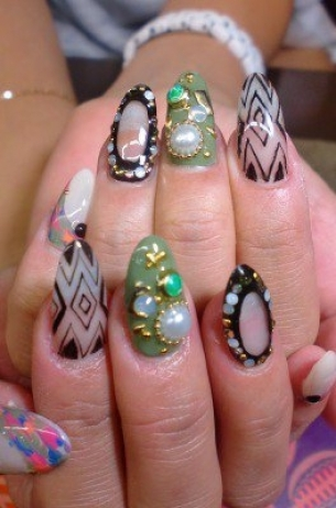 Glam-Chic-Fall-2012-Nail-Art-Designs-3