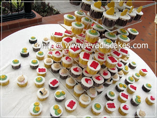 Picture of Penang Cakes - Evadis Cupcakes - Piggies Wedding Cupcakes Arrangement