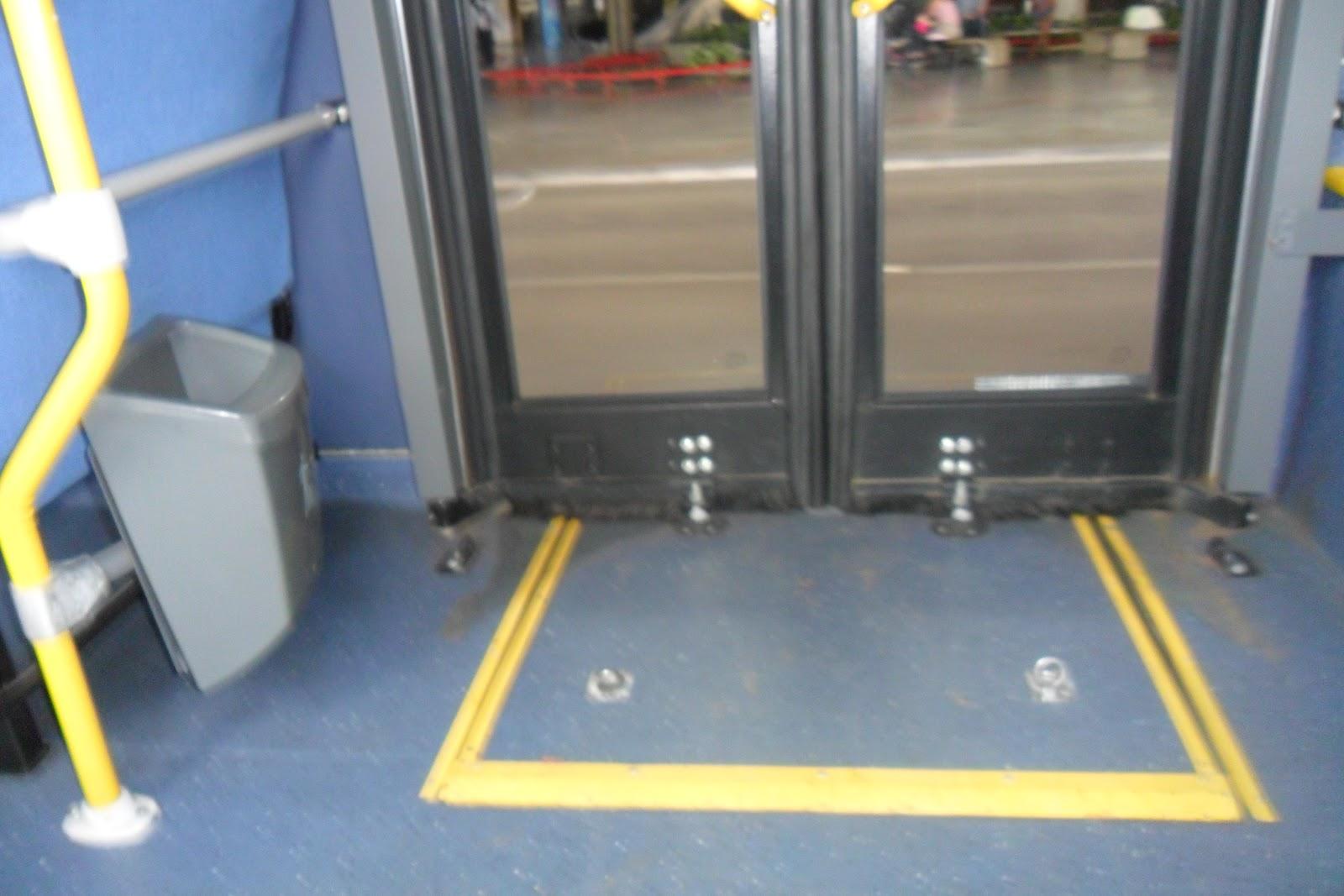 BLOG DAS PESSOAS COM DEFICIÊNCIA: ÔNIBUS ACESSÍVEL EM BRASILIA #B6A115 1600x1067 Adaptação Banheiro Cadeirante