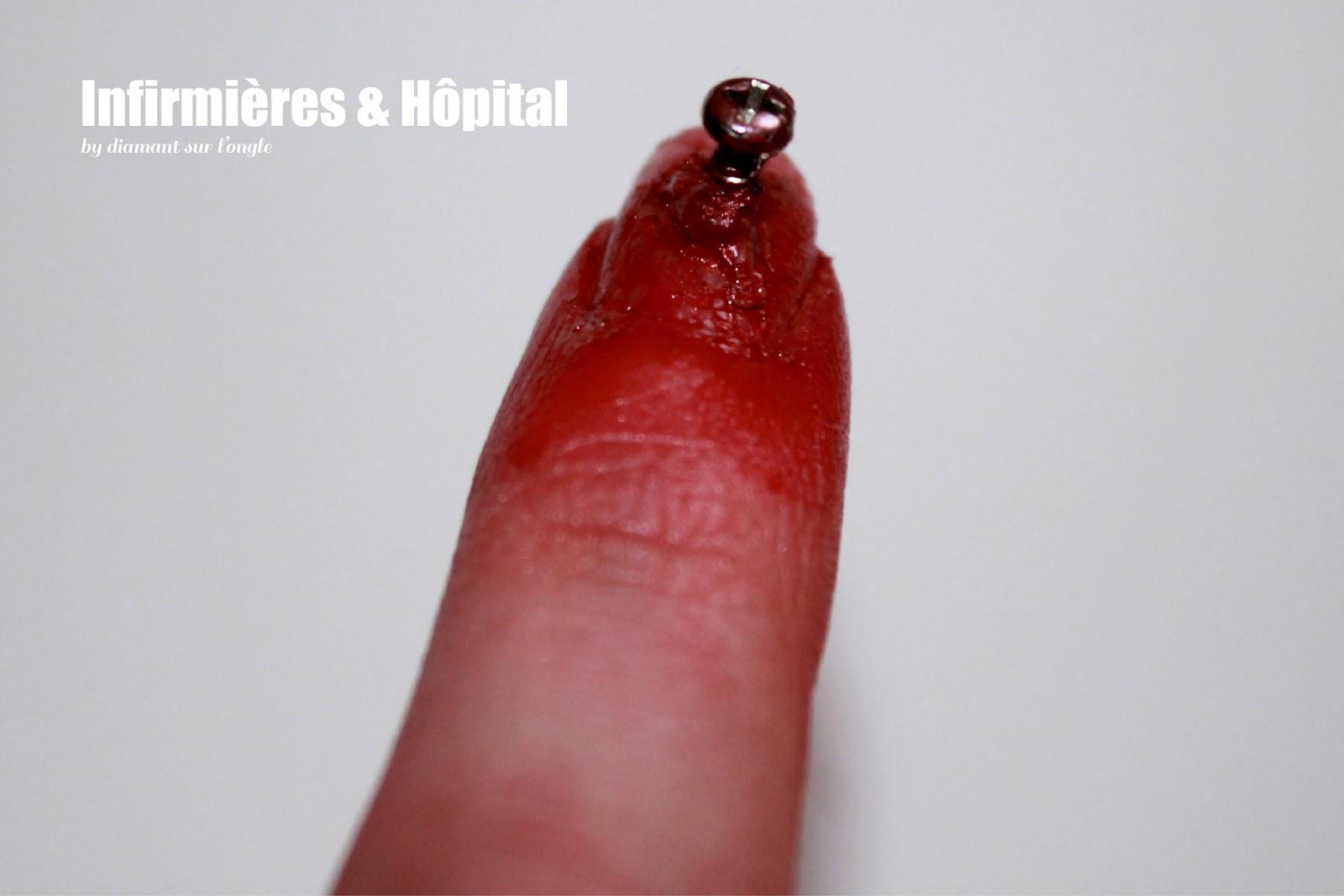 Häufig diamant sur l'ongle: ☤ Infirmières & Hôpital EA19