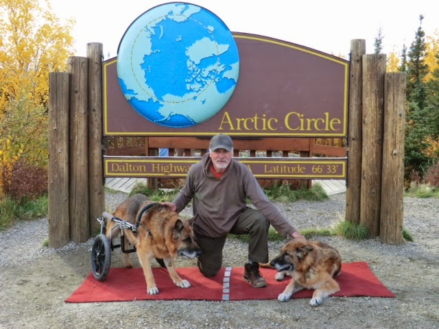 Leben, Ed and Erde near the end of the road in the northwest at Arctic Circle (Alaska)