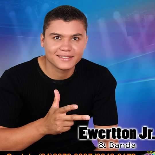 Ewertton Jr. e Banda
