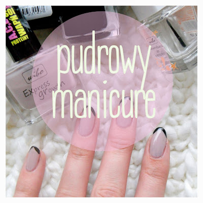 pudrowy manicure