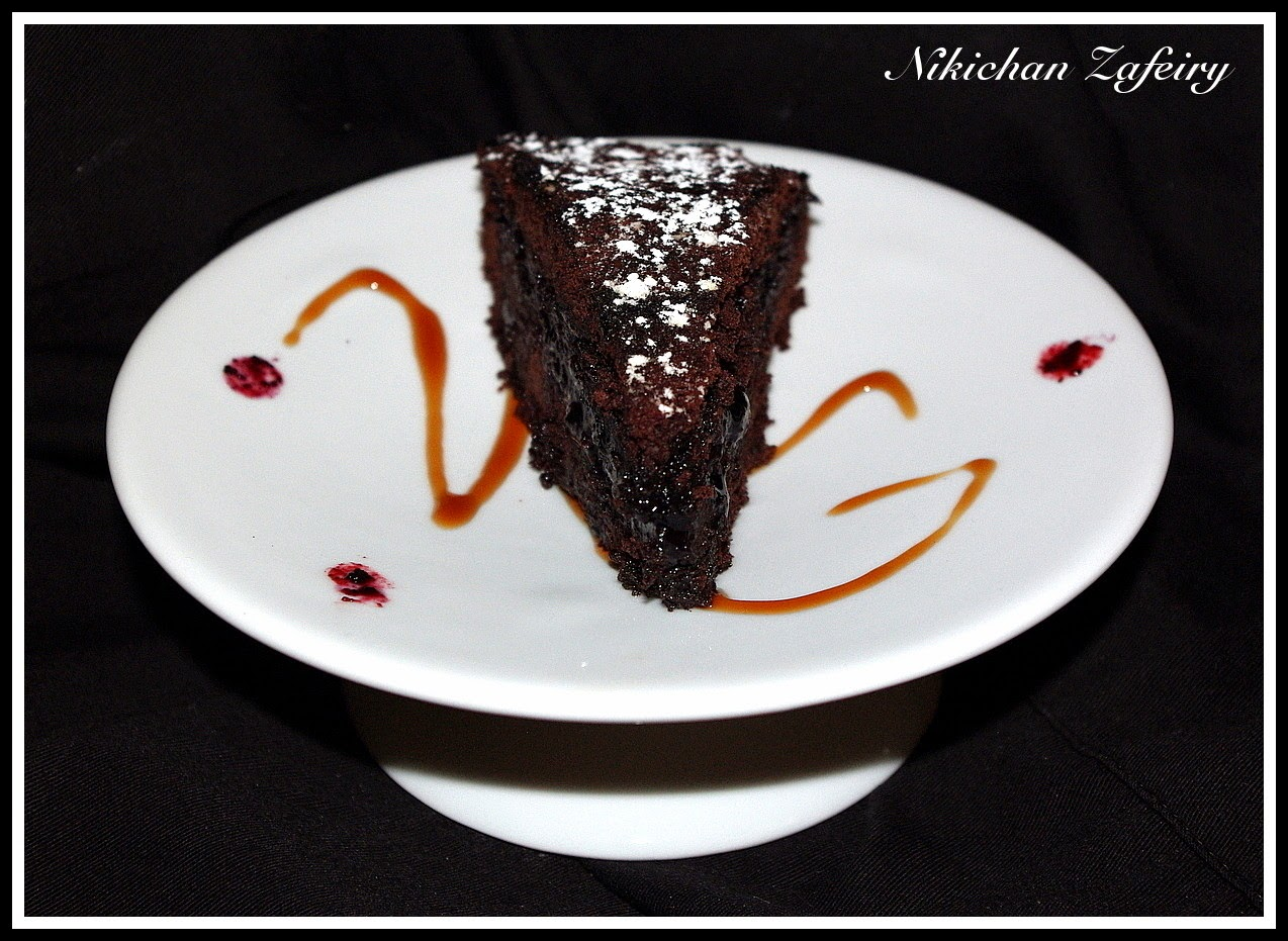 Pure Chocolate Cake Images :