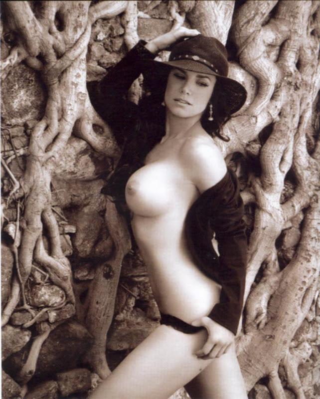 Hot Mexican Liz Vega in Playboy - Sexy Naked Women