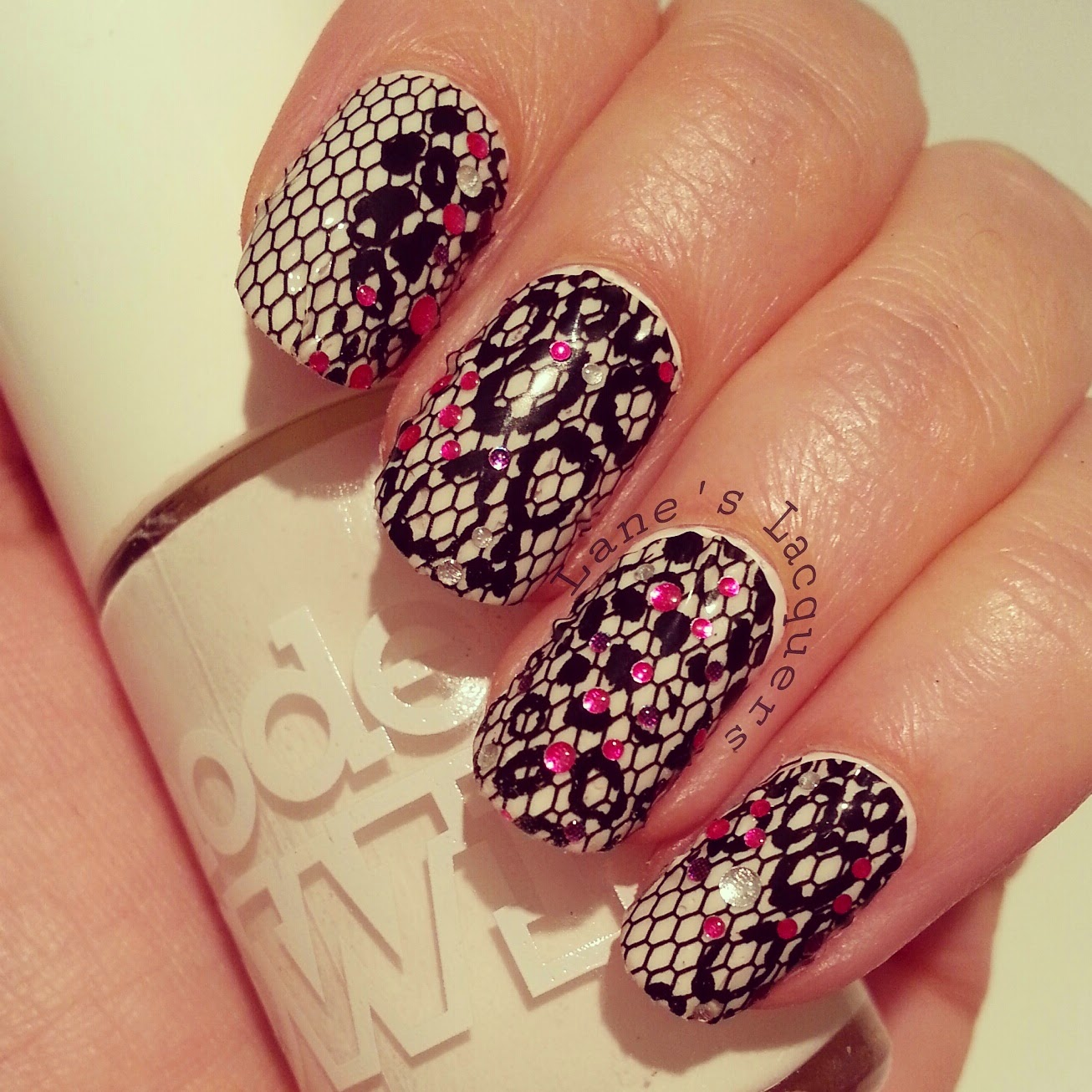 black-and-white-avon-leopard-print-nail-stickers-with-sparkle (2)