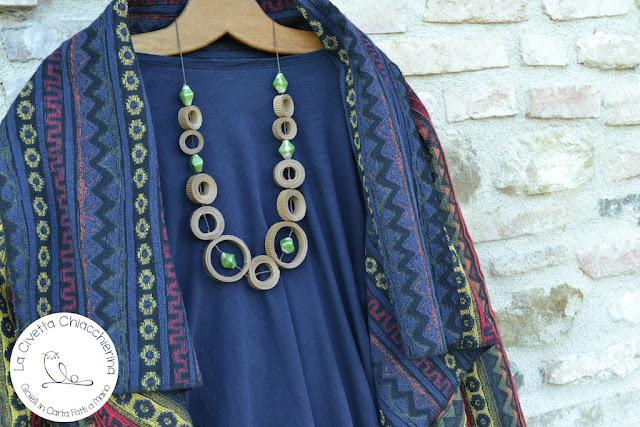 collana cartone ondulato e ceramica creato dalla Civetta Chiacchierina