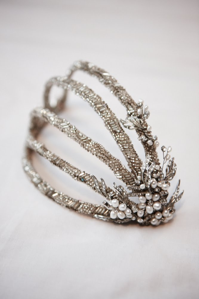 1920 Headpieces http://sandiebizys.com.au/tag/1920s-wedding-headpiece/
