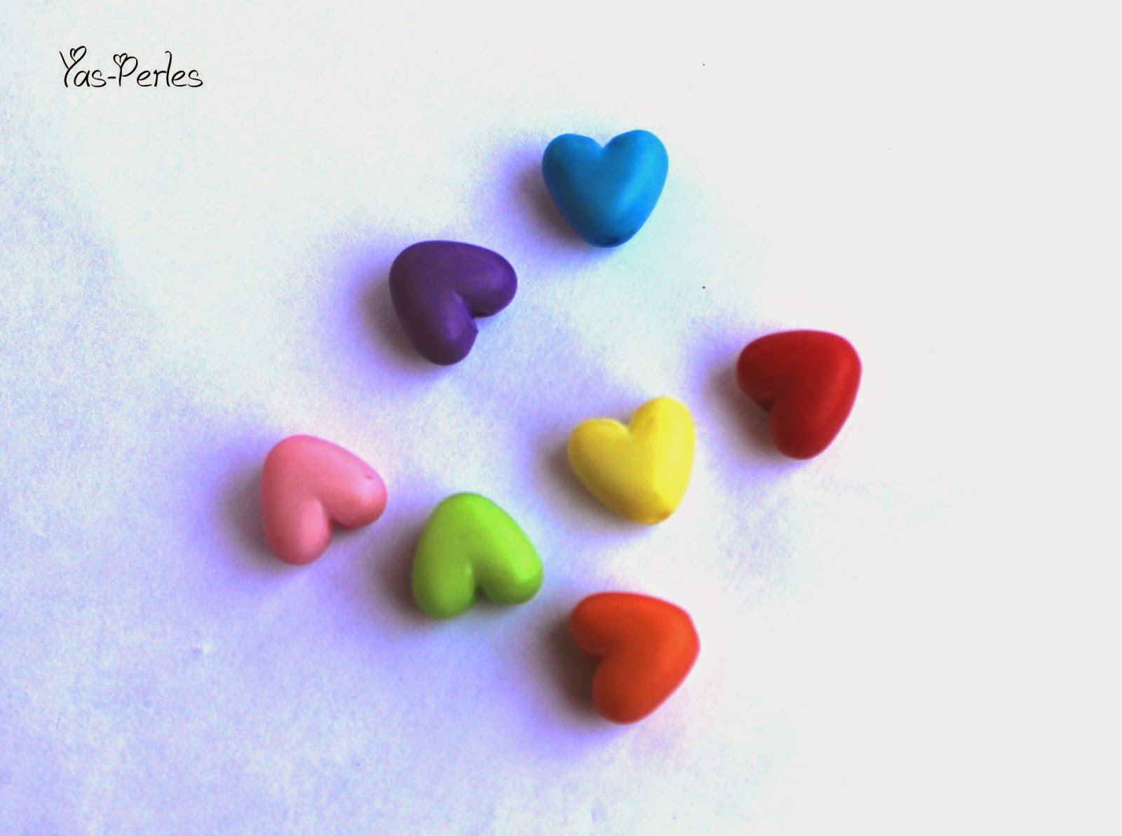 http://www.alittlemercerie.com/perles-synthetiques/fr_perle_acrylique_depolie_forme_coeur_x20_-3198489.html