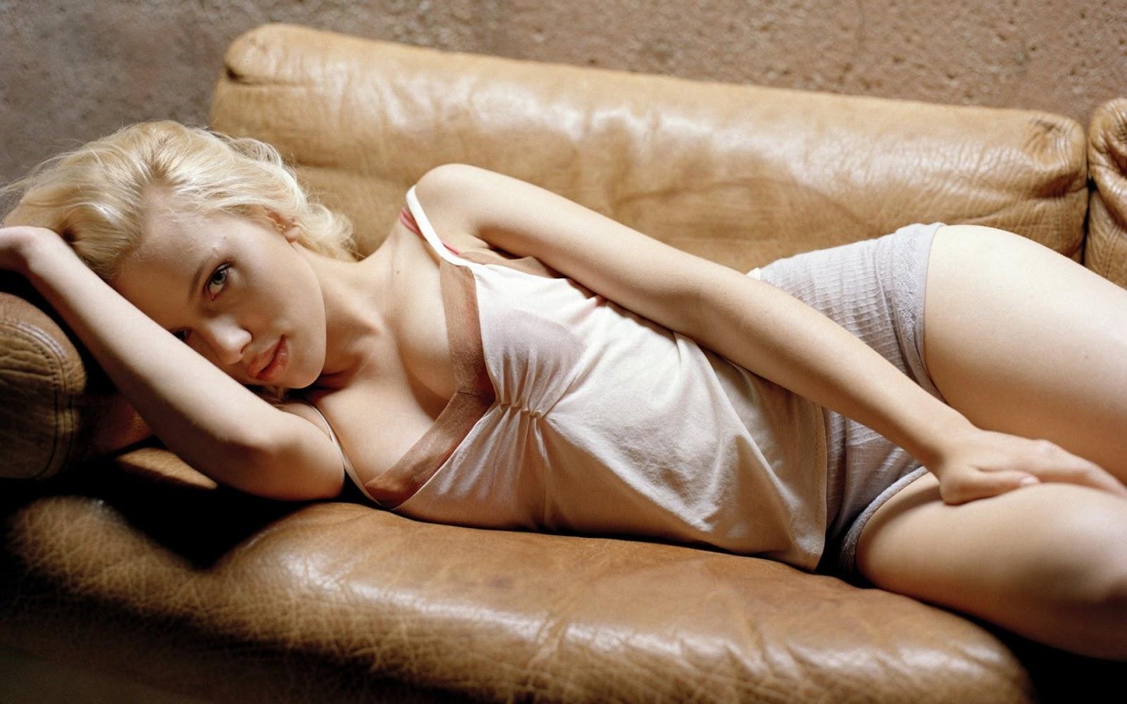 http://1.bp.blogspot.com/-sWc0GmpdA-s/ULtY9COtKkI/AAAAAAAAEuc/d8TN1w9FWsE/s1600/Scarlett-Johansson-Hot+Sexy+Nude.jpg