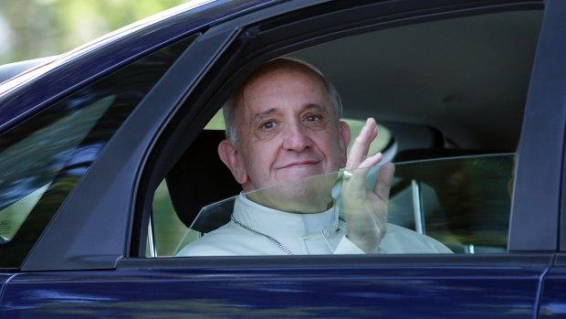 Што робіць Папа гэтым летам?