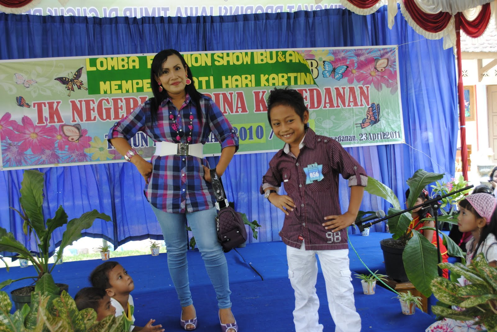 Lomba Fashion Ibu & Anak dlm Rangka Hari Karini