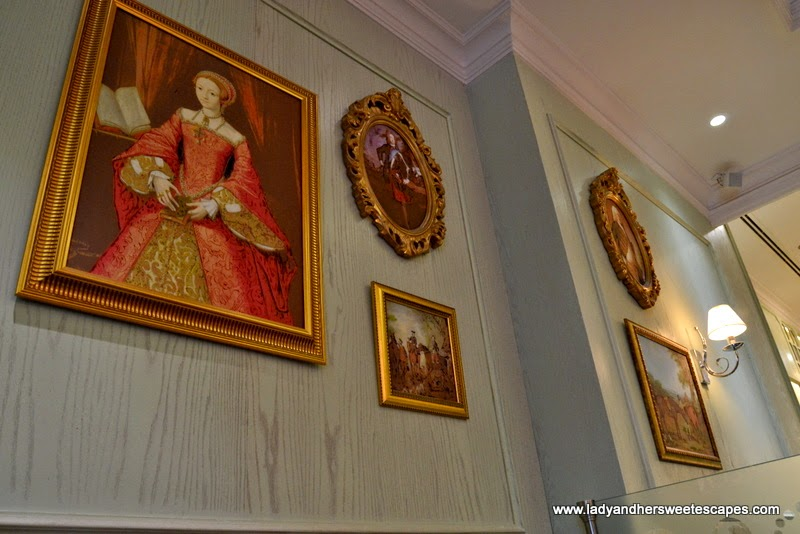 images of the Victorian Era at RICH Cafe