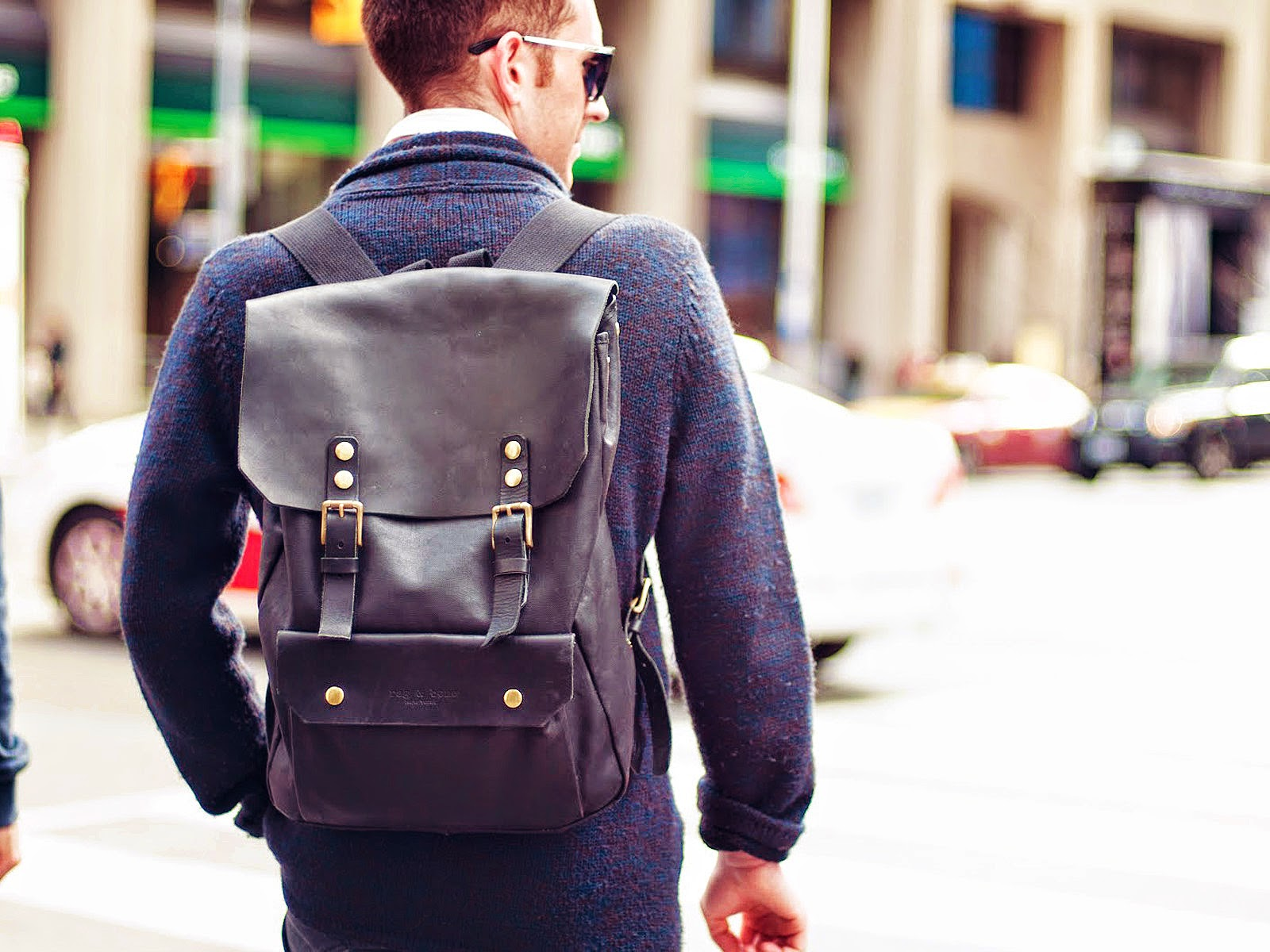 Types of bags: Backpack - Tipos de carteras: Mochila