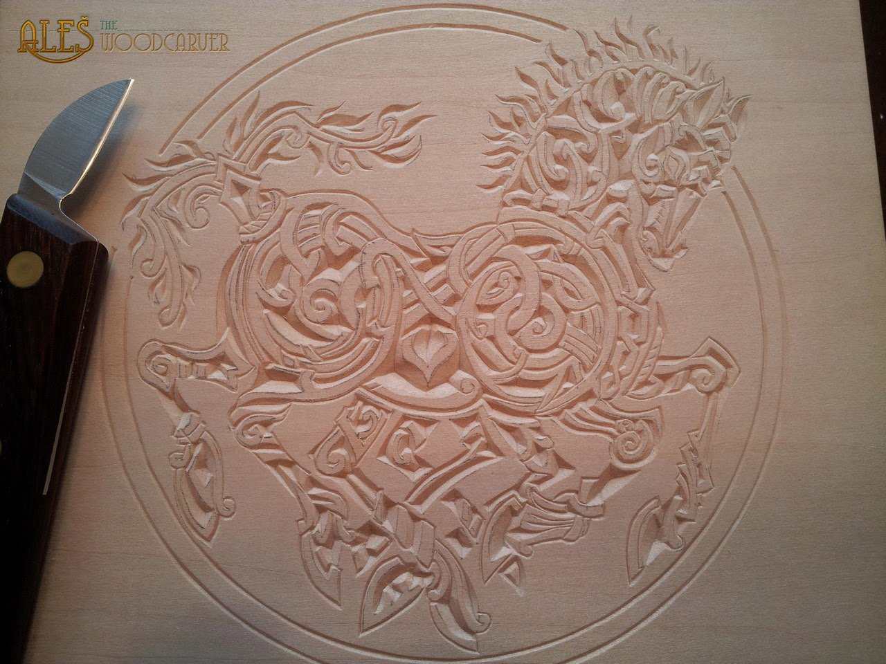 Ales the woodcarver chip carved sleipnir trinket box