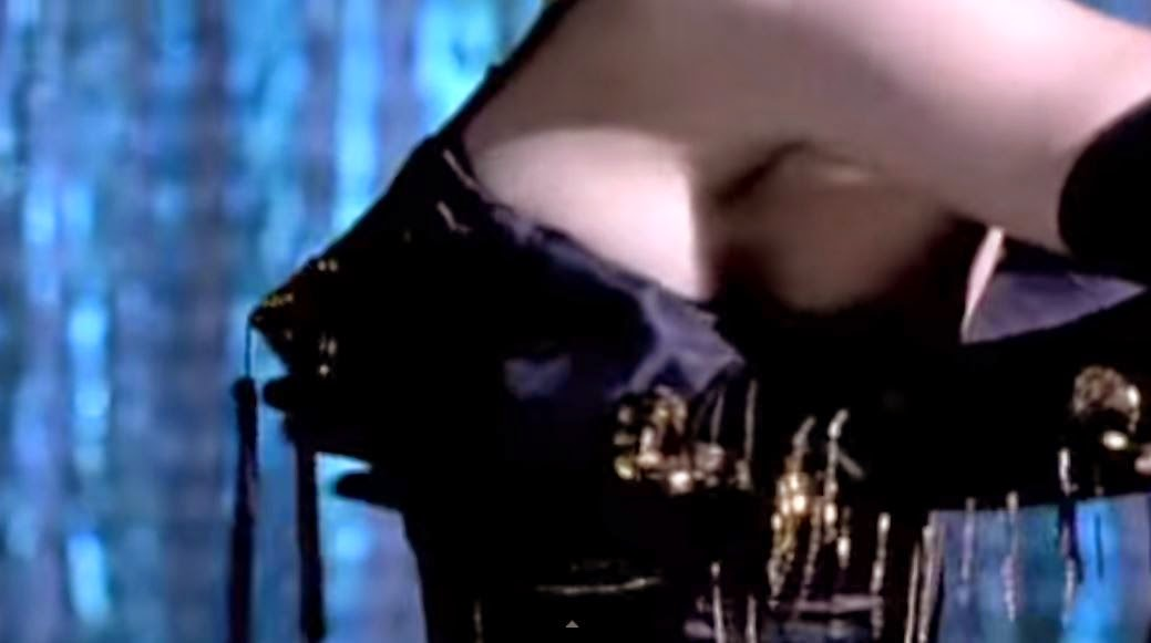 videos-musicales-de-los-80-madonna-open-your-heart