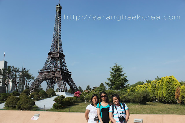 eiffel tower in Aiins world
