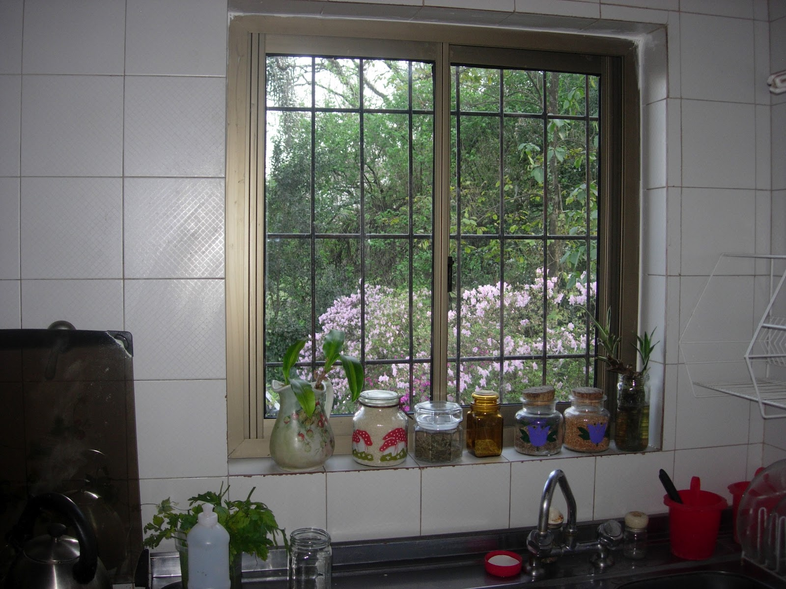 Via dise o carpinter a de aluminio ventana para cocina for Ventanas de aluminio para cocina