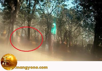 Ada penampakan di kuburan yang tertangkap kamera