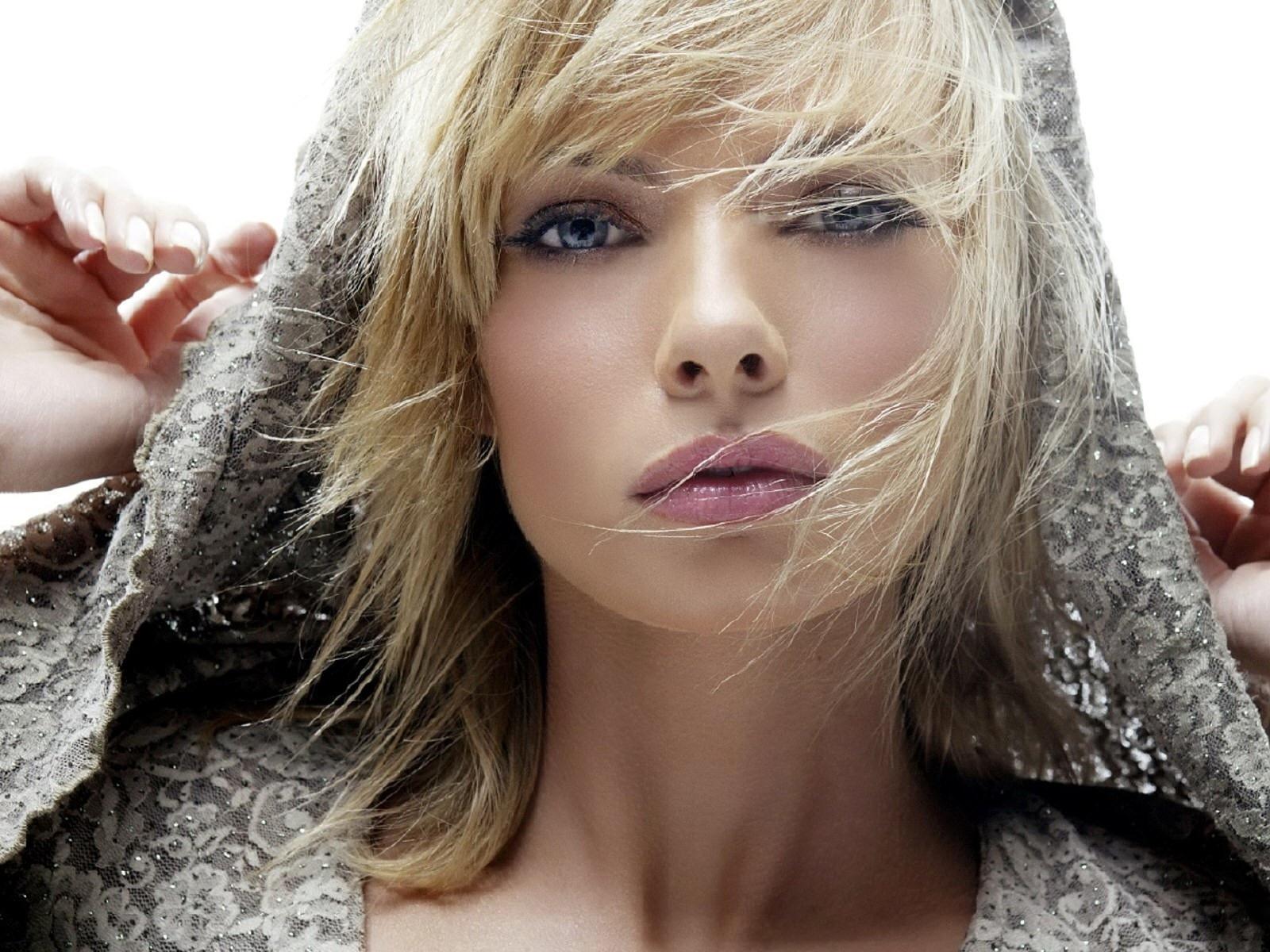 Beautiful model photo 42
