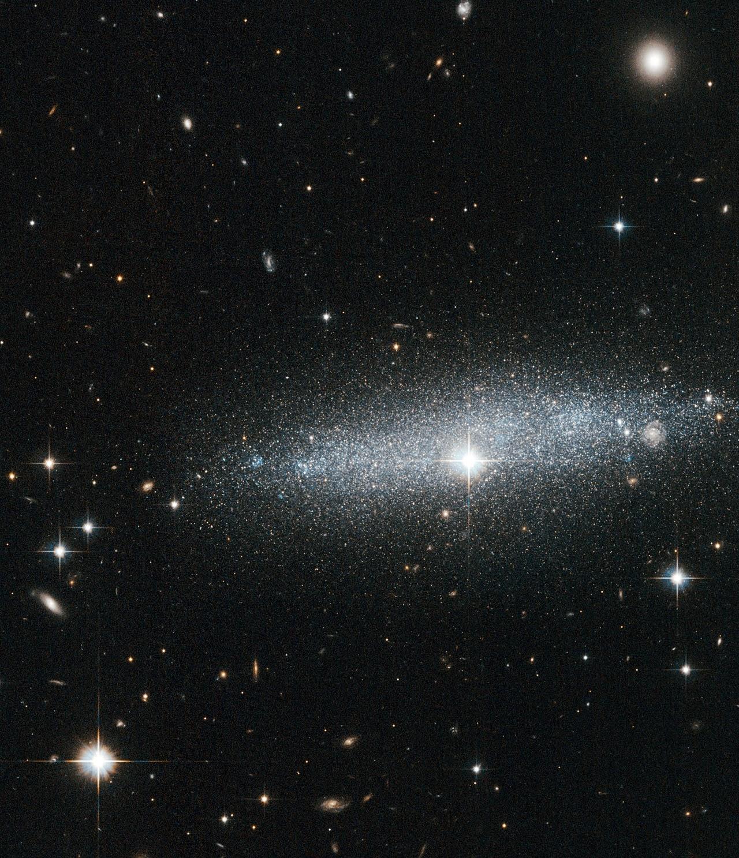 Hubble's Glitter galaxy: The ESO 318-13 galaxy