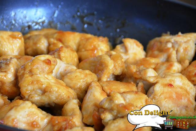 רצועות חזה עוף מתוק ועסיסי Chicken breast stripes, juicy and sweet