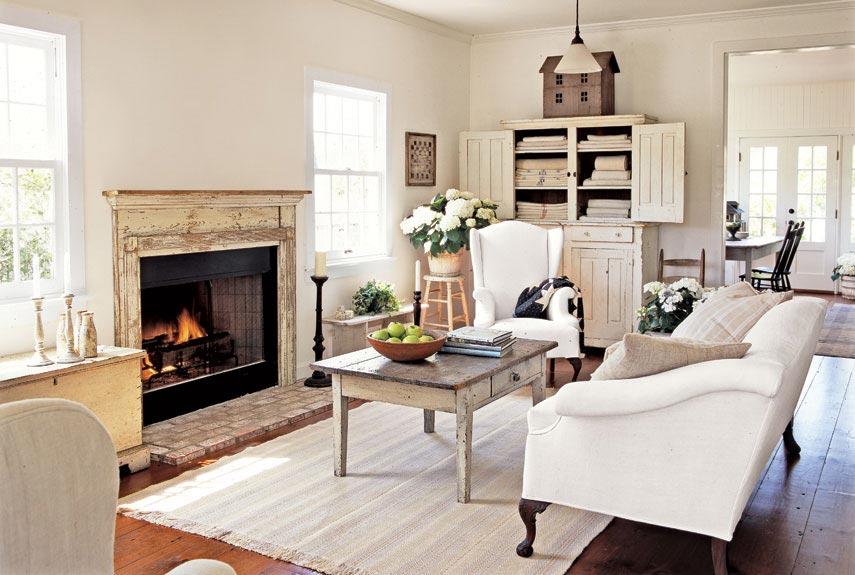 The Country Farm Home: Inspiration for the Farmhouse Living Room Redo