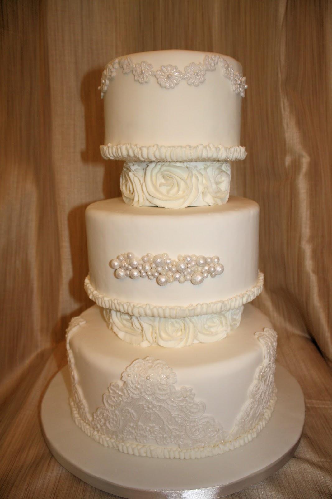 Sweet Eats Cakes Rose Separator Wedding Cake