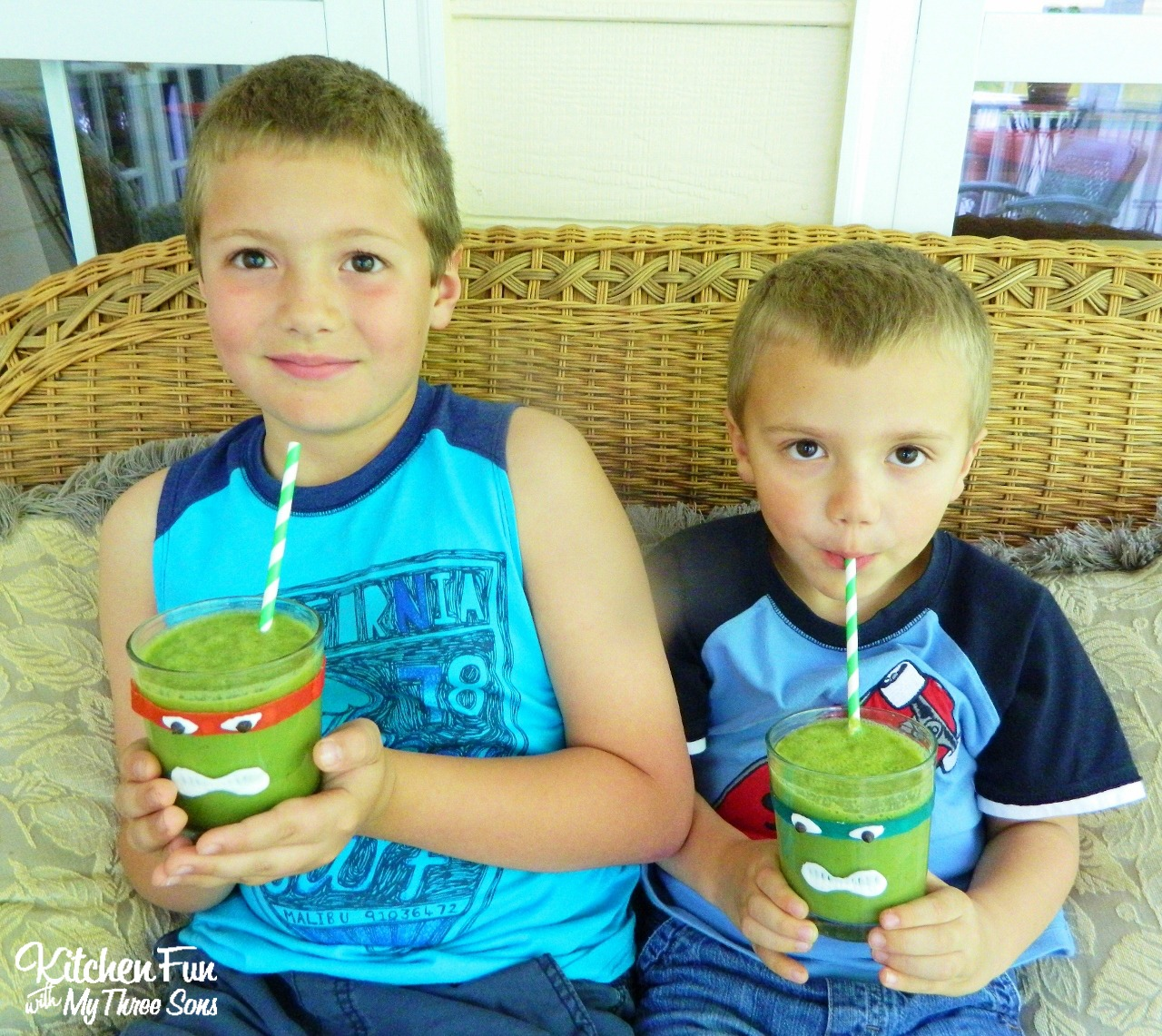Teenage Mutant Ninja Turtles Green Smoothies...your little TMNT fans will love this healthy snack! KitchenFunWithMy3Sons.com
