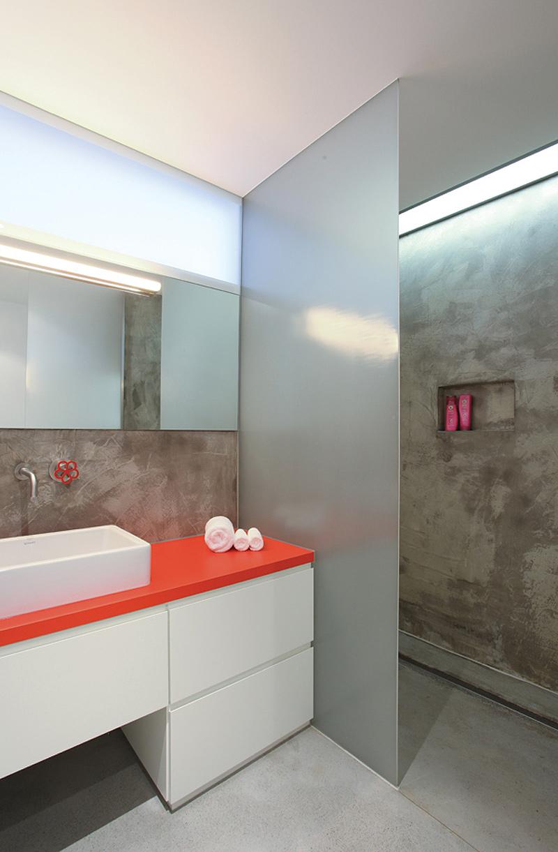 Interiores minimalistas la nueva vida de un viejo for Apartamentos minimalistas