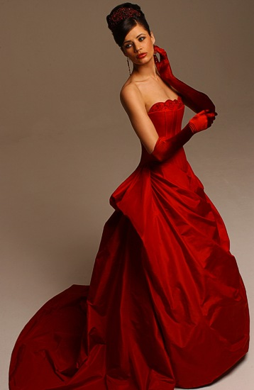 Fantastic wedding dresses designs with a colorful model for Simple red wedding dresses