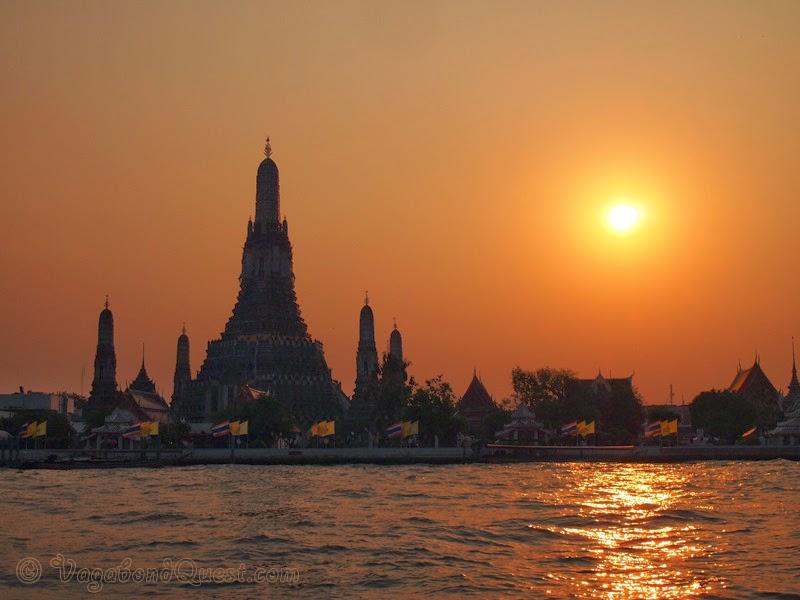 Proprio in questo dedalo di Wat Arun Sunset