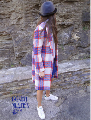 http://fashionmusingsdiary.blogspot.fr/2014/01/baby-blue-checks.html