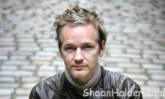 Facebook Is A Spy Machne : Julian Assange (Video)
