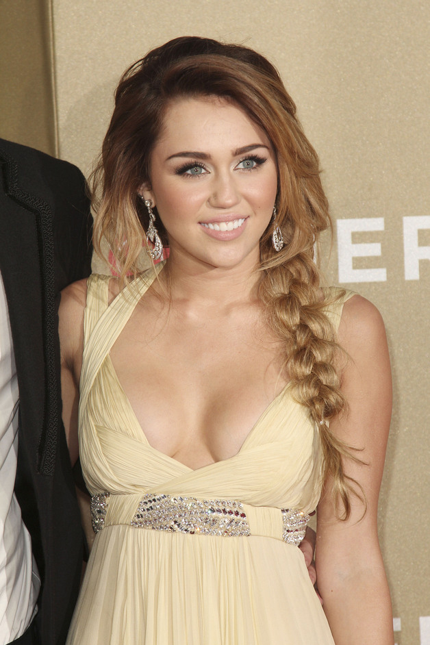miley cyrus cleavage shot miley cyrus photoshoot marie claire magazi