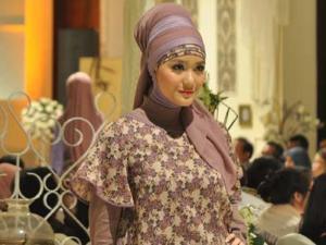 wanita jilbab cantik