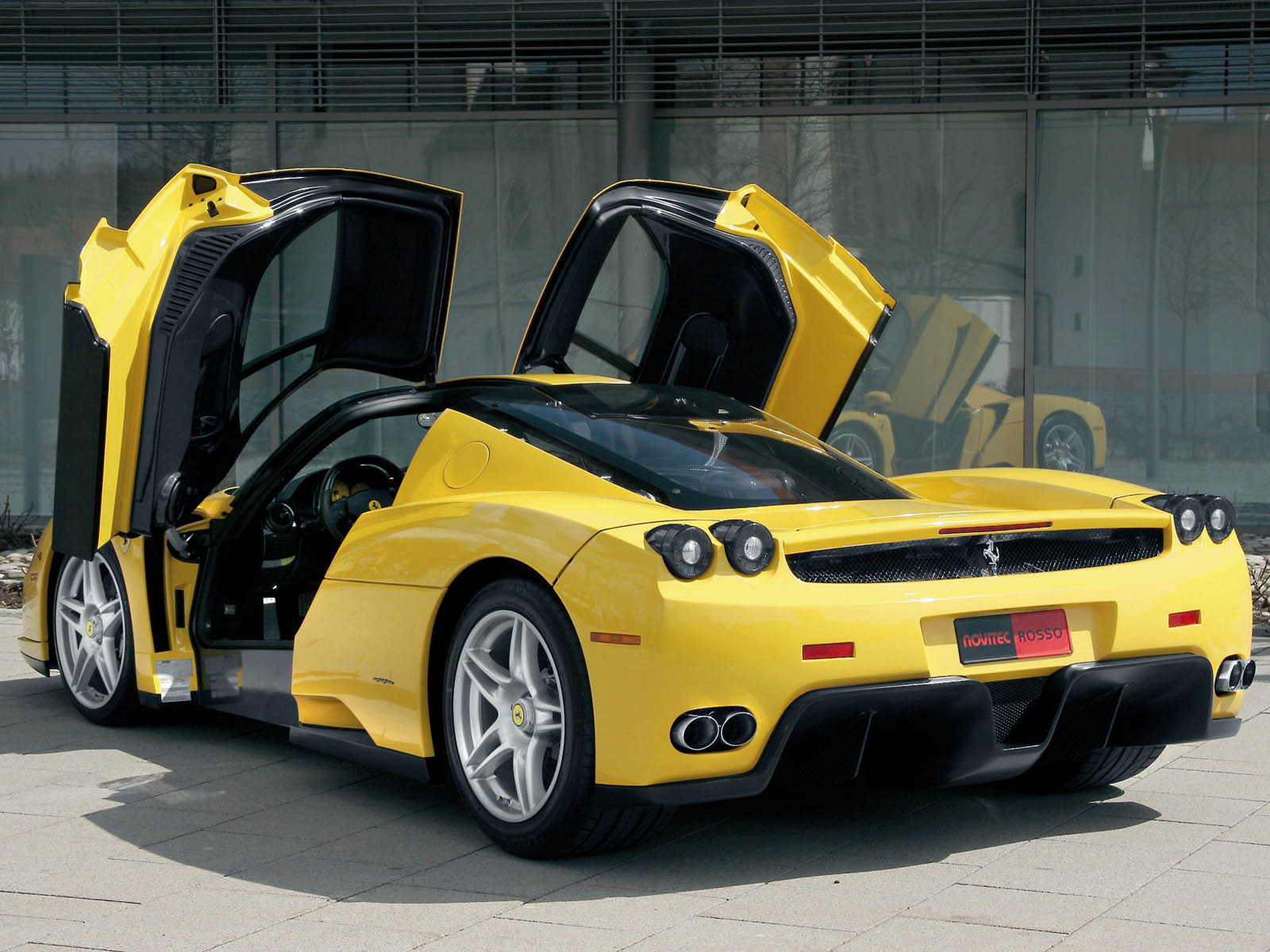Ferraris Photo Gallery: FERRARI ENZO