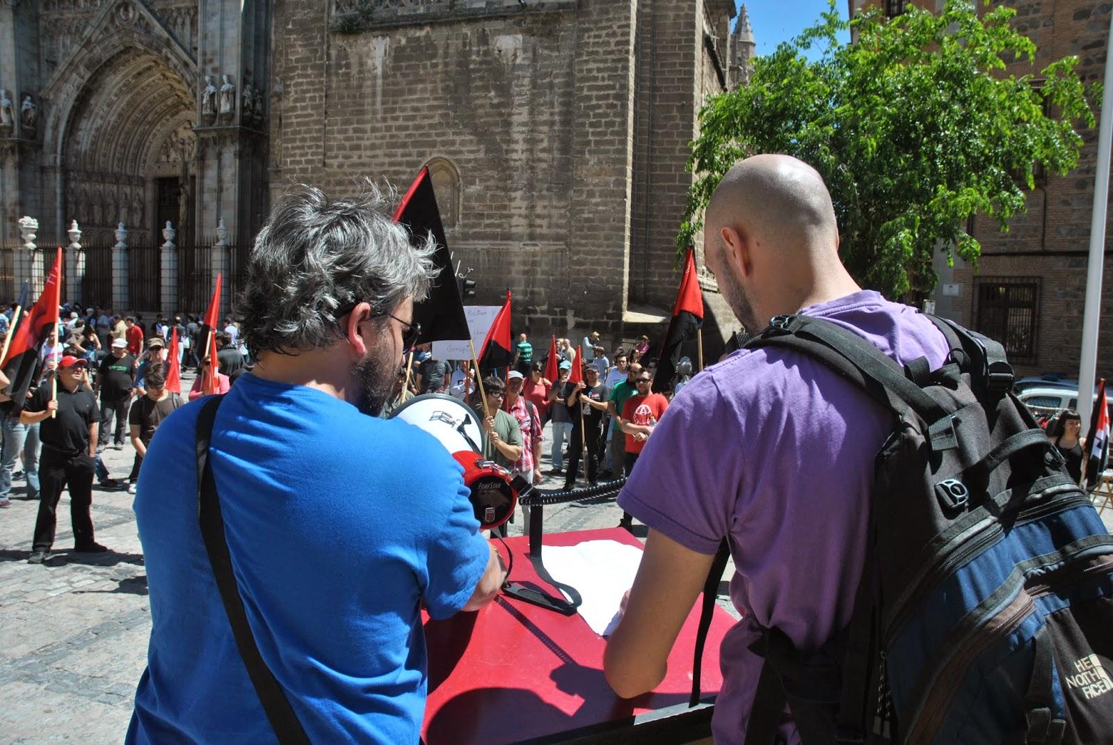 http://cntaittoledo.blogspot.com.es/2014/05/la-cnt-toledana-volvio-marchar-por-las.html