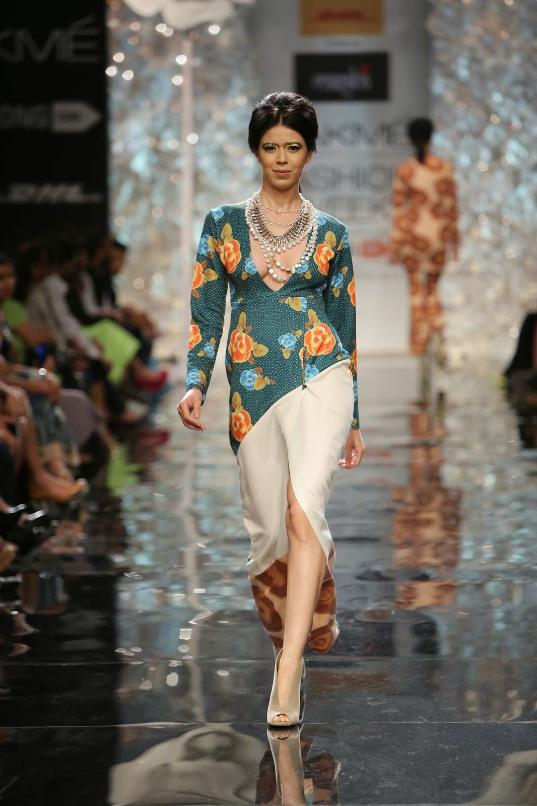 Model walking for Masaba Gupta.....www.aquaintperspective,blogspot.com