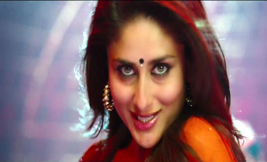 Watch videos online halkat jawani heroine 2012 movies for Table no 21 full movie