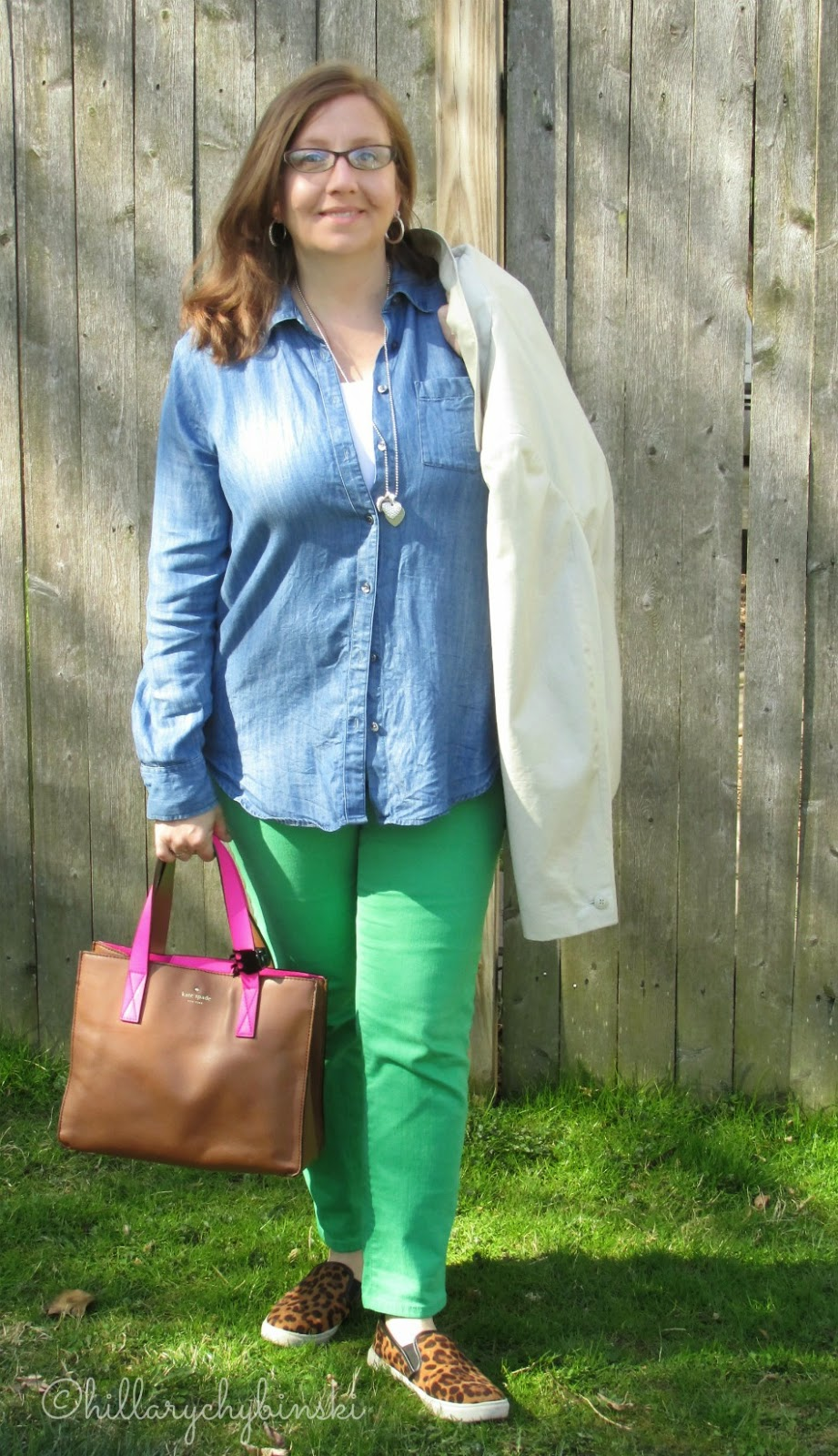Styling Green Jeans for Spring - How to Wear Colored Jeans