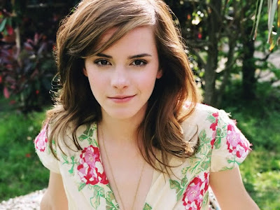 Emma Watson Cute Wallpapers