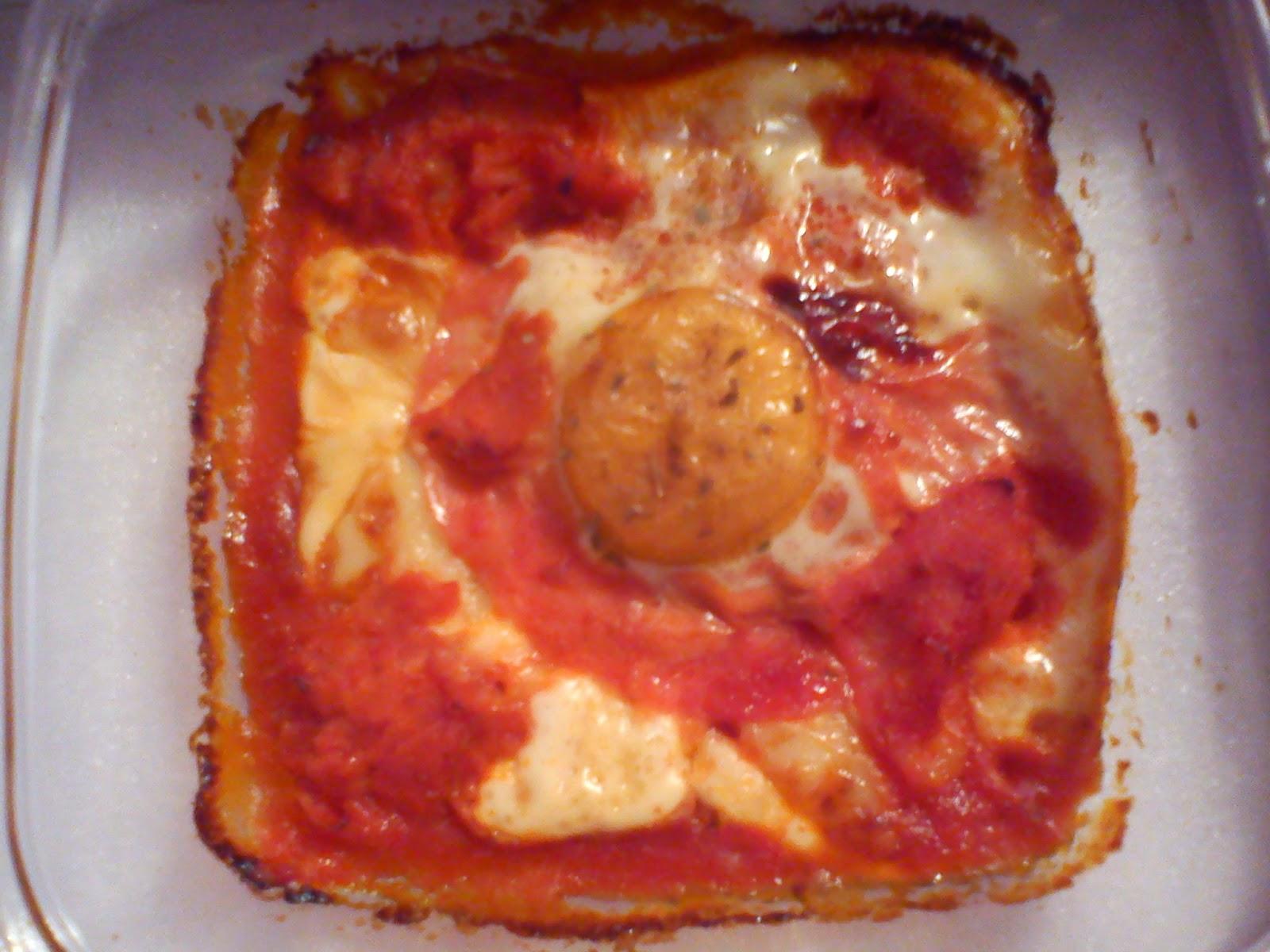 Huevo con jamón york al horno