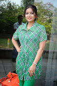 Swathi Glam photos in green-thumbnail-4