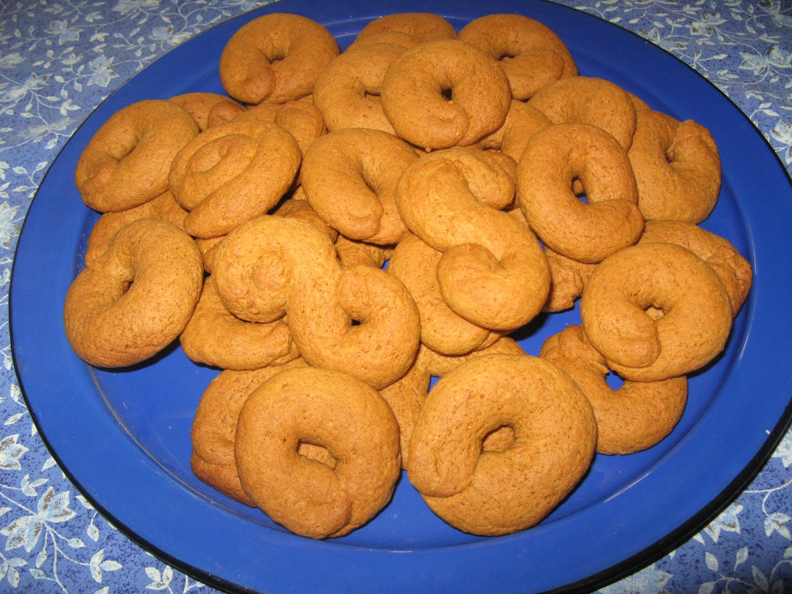 ... -Style Koulouria - Spiced Easter Cookies made with Olive Oil